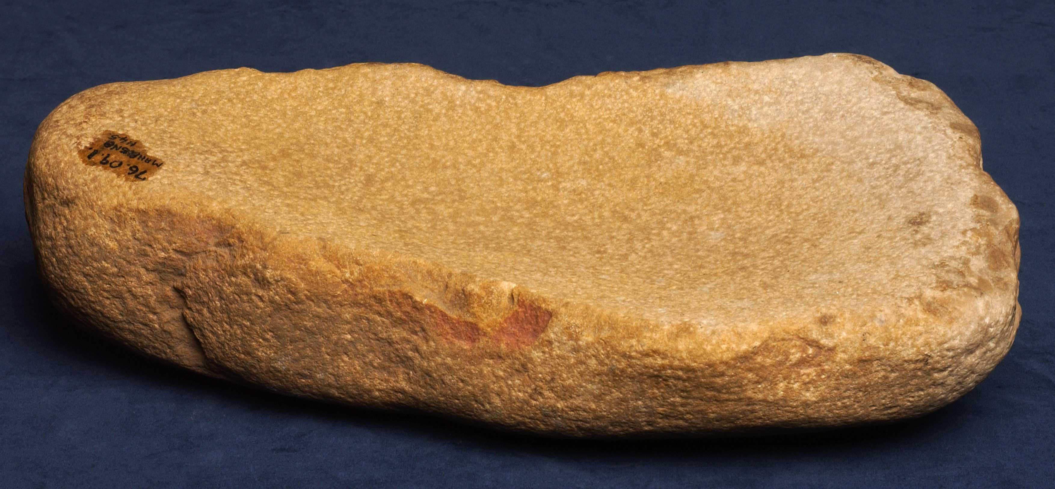 Saddle stone