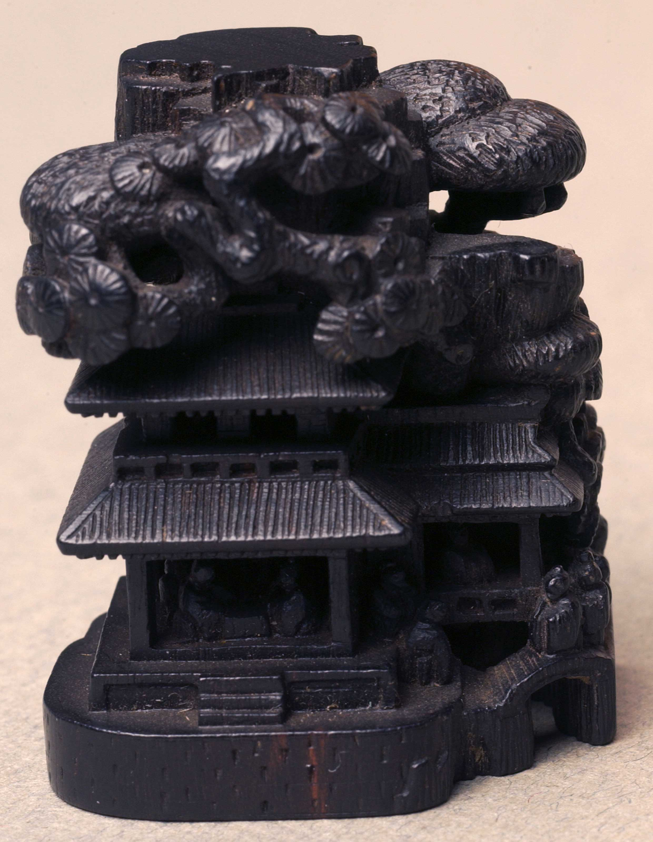 Netsuke depicting a Japanese house