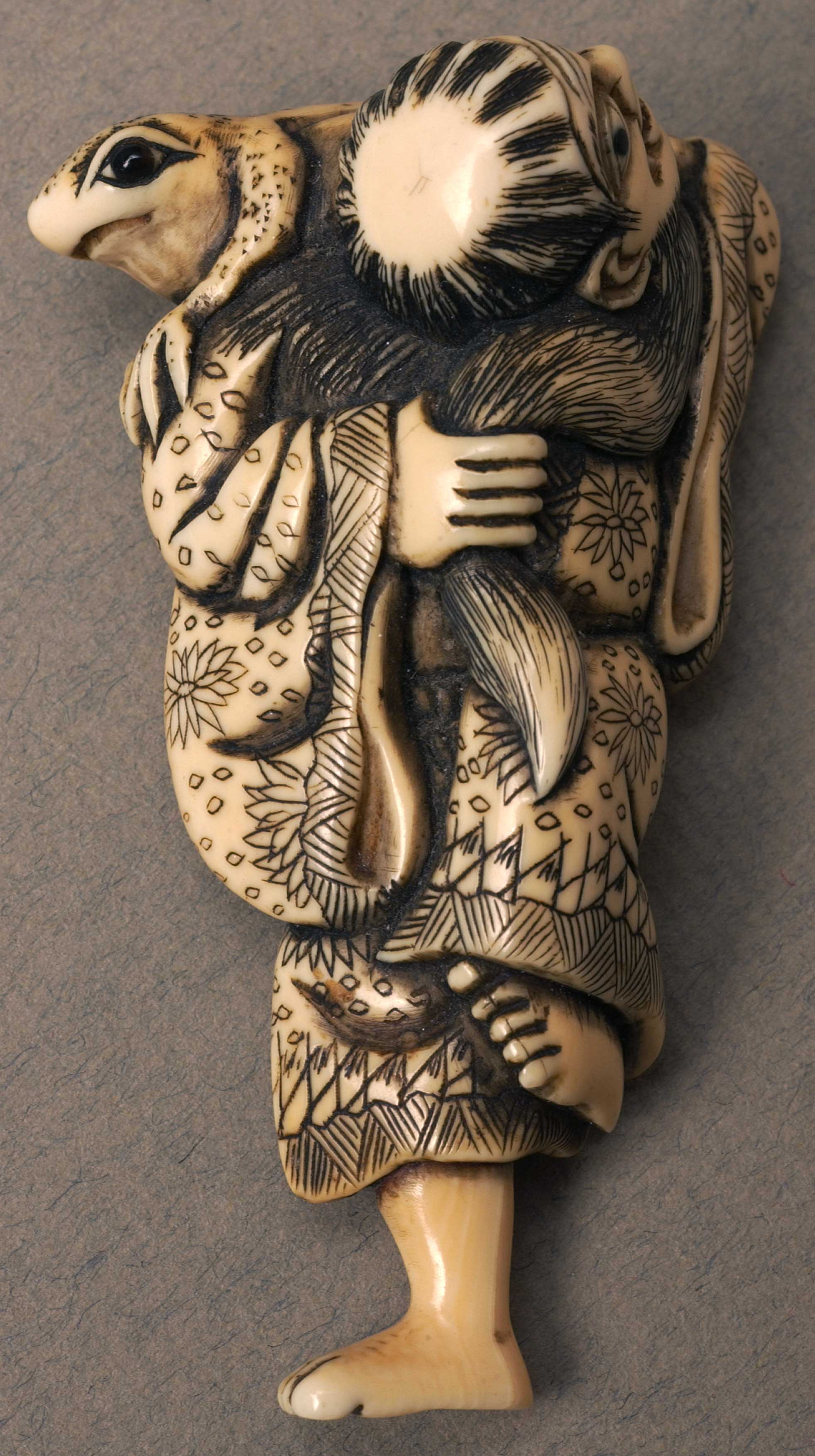 Netsuke depicting a Chinese holy man