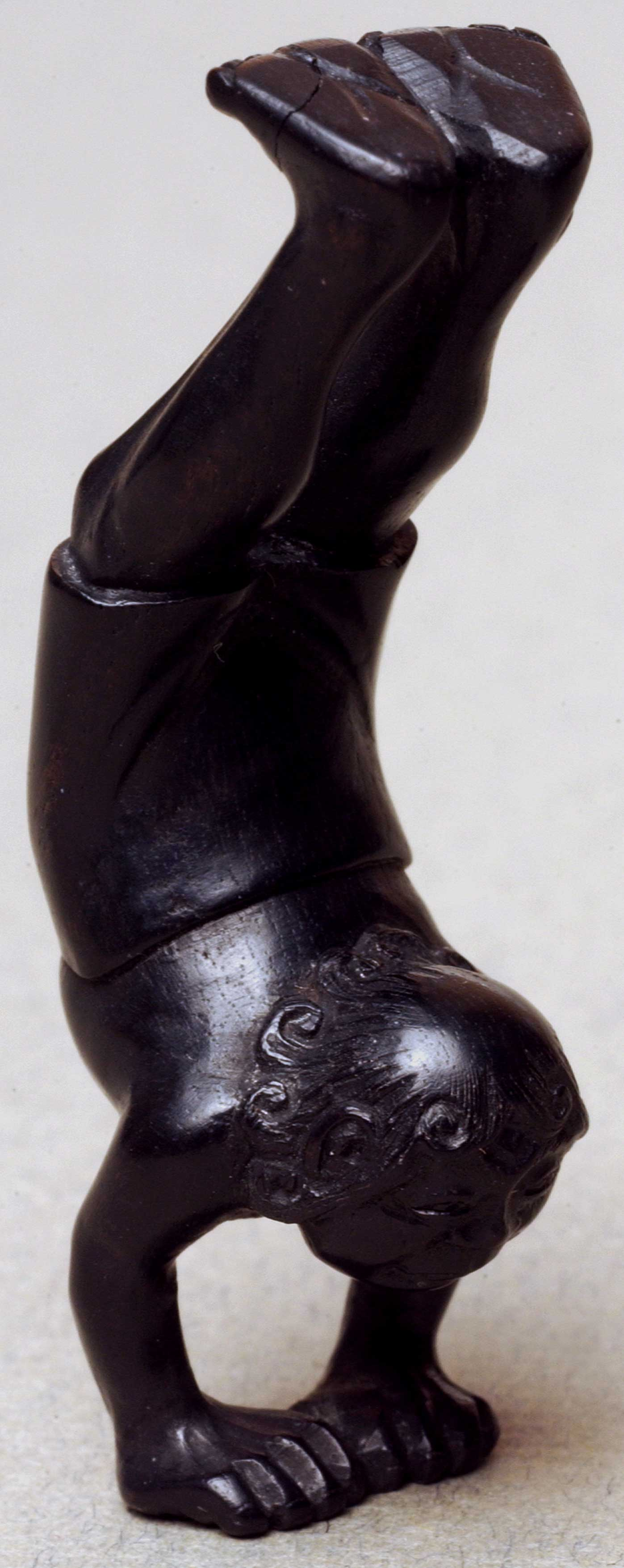 Netsuke depicting an acrobat