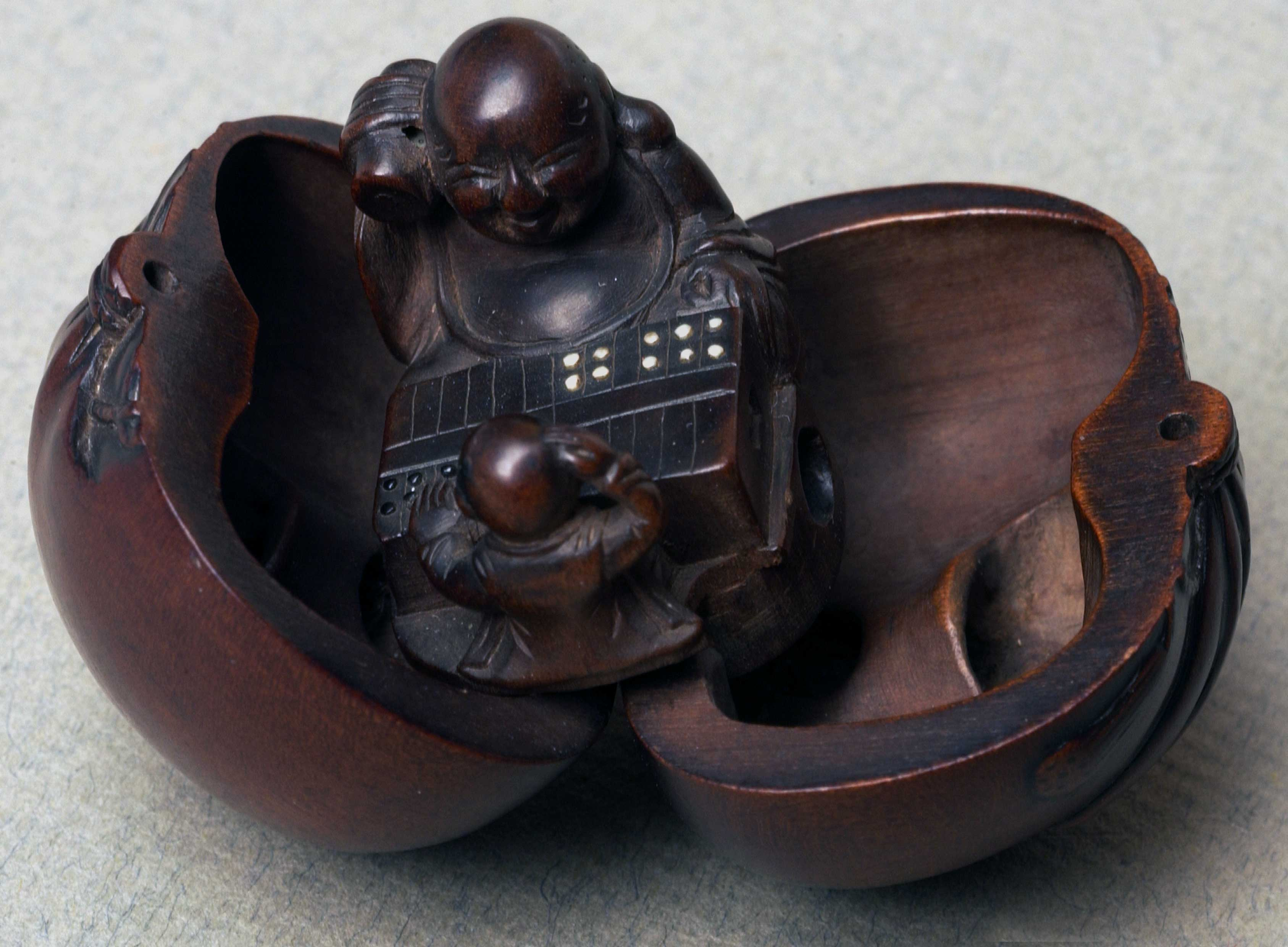 Netsuke in the form of a shell